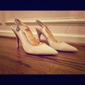 Badgely Mischka Pointy Toe Slingback Pump White